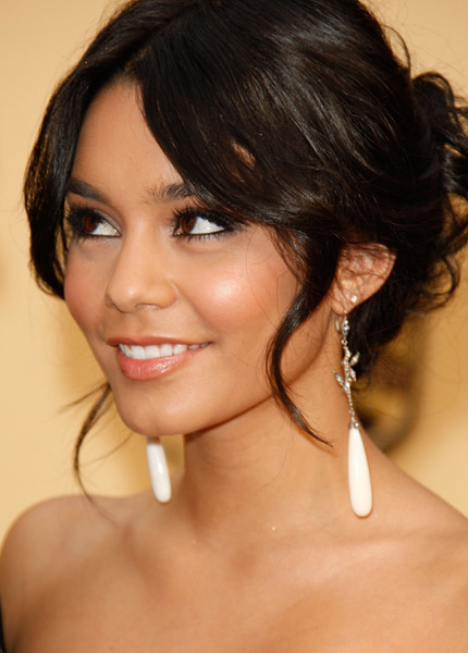 vanessa hudgens hair short
