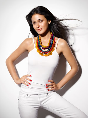 Entourage Star Emmanuelle Chriqui in Womens Health