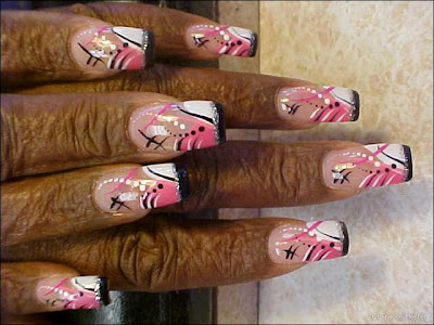 wrinkled+fingers+and+gaudy+nail+art Mummy Manicure?