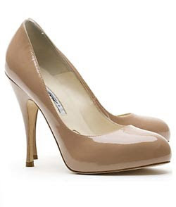 nude+patent+pump Lilliana Vazquez Q&A: Looking Chic On The Cheap
