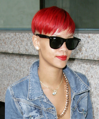 rihanna+red+hair+4 Rihanna Has Red Hair!