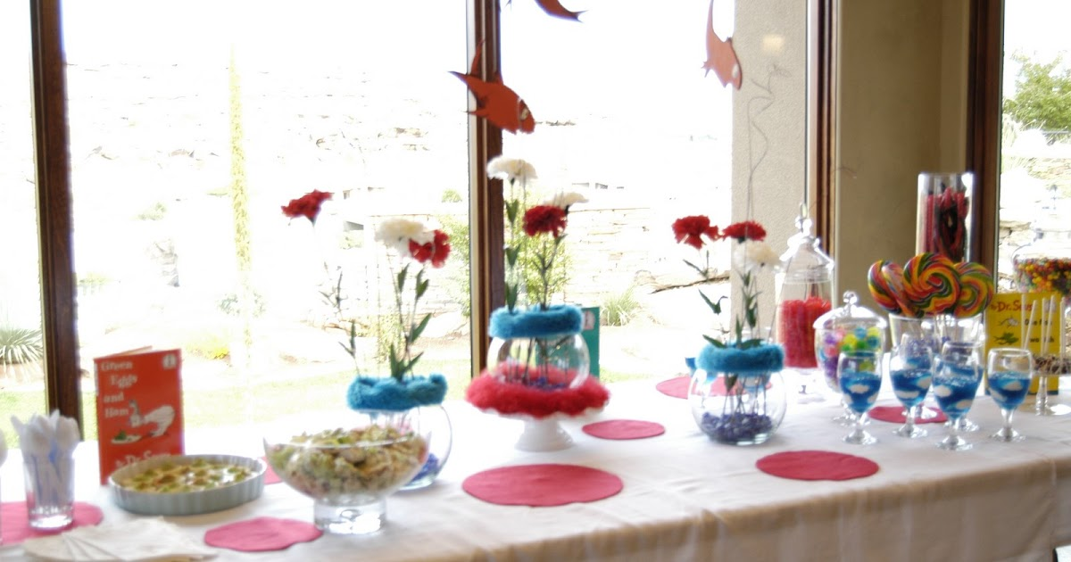 Newly nesting dr seuss baby shower for Baby shower decoration set