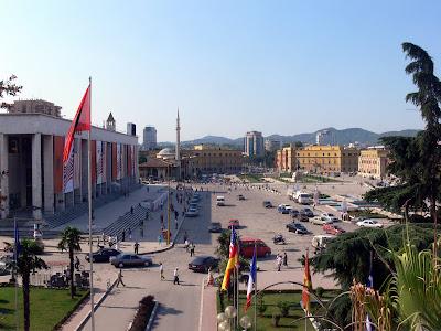 Dopo le proteste Tirana torna alla normalità