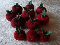 Dekorations æbler i stof.