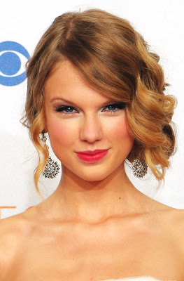 Taylor Swift Natural Hair, Long Hairstyle 2011, Hairstyle 2011, New Long Hairstyle 2011, Celebrity Long Hairstyles 2097