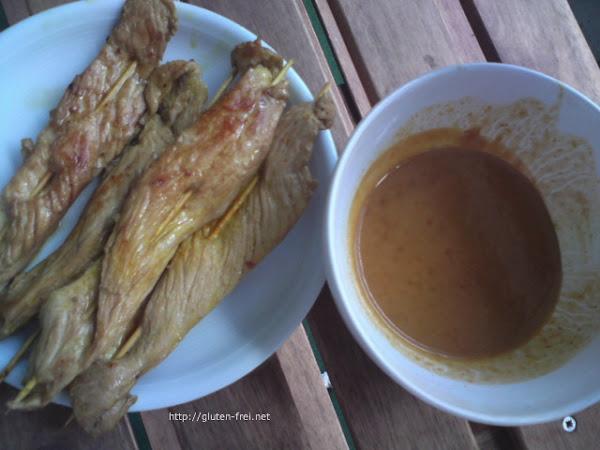 Satay-Spiesse mit Erdnuss-Sauce (glutenfrei!)