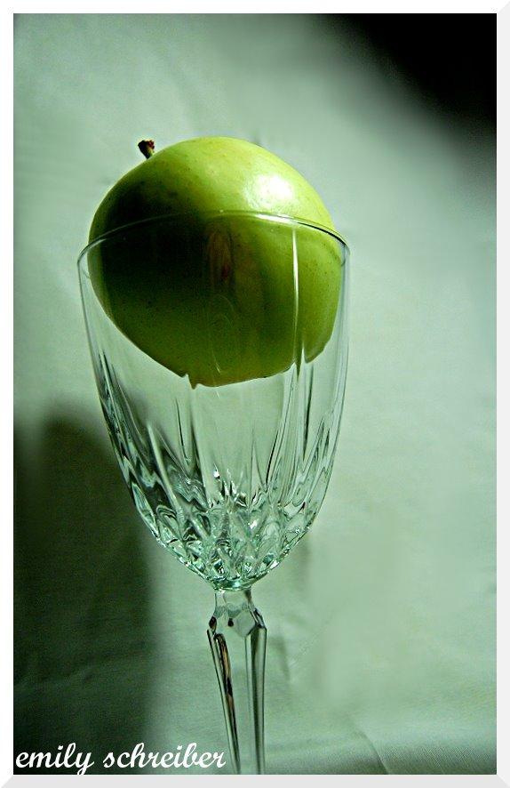 [apple3.jpg]
