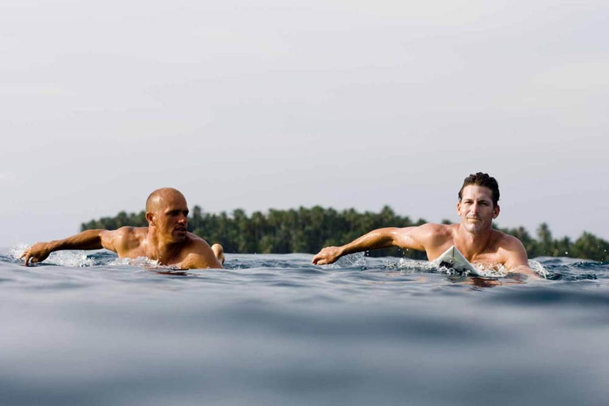http://4.bp.blogspot.com/_VBWYS49PYAY/TNGUnxXdtZI/AAAAAAAAABc/dnGh-XOySQk/s1600/Kelly+Slater+and+Andy+Irons+surfing.jpg