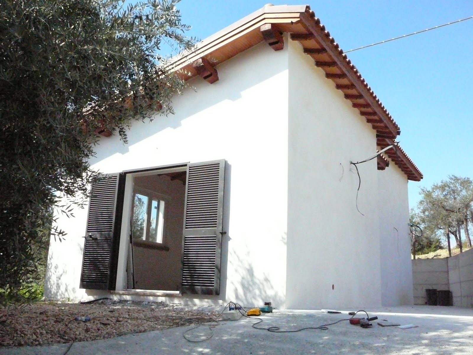 Casa amalia finestre e persiane in alluminio for Finestre e persiane