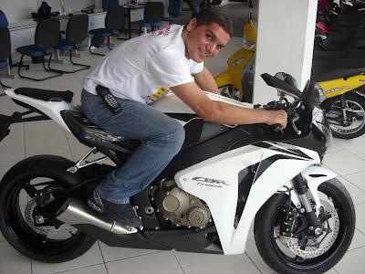 NOVA MAQUINA A MOTO.HONDA 2009
