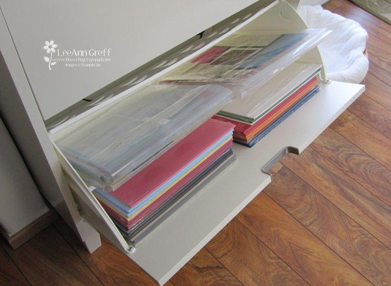 http://4.bp.blogspot.com/_VH4P1h3L4cM/TTSPJudnPYI/AAAAAAAADso/bm7IvcHvLrI/s1600/Shoe%2Bcabinet%2Bpaper%2Bstorage.jpg
