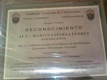 RECONOCIMIENTO AL C:MARTIN ESPARZA FLORES EN LA DIVISION CUERNAVACA