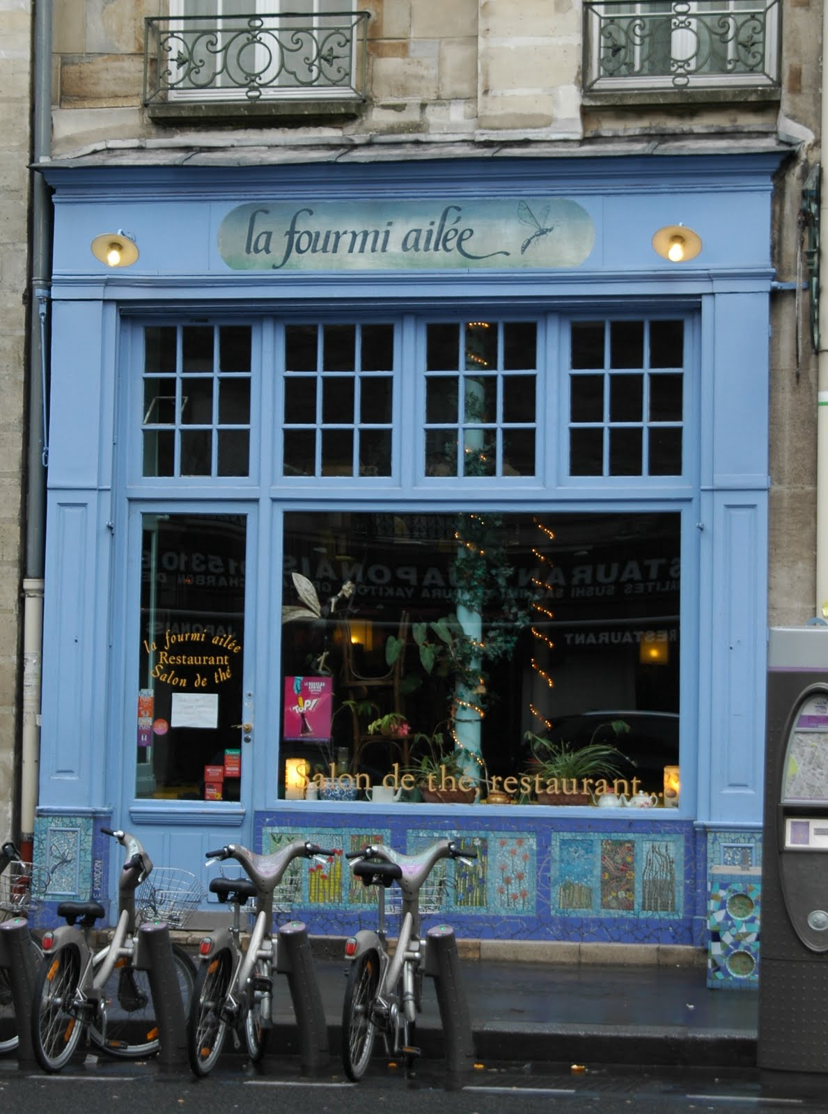 La Fourmi Ailée = The Winged Ant 8, rue Fouarre