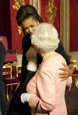 michelle touching the queen