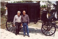 """""""El carruaje de los recuerdos"""". Unidos, Alonso Grisales Alvarez y Gabriel Jaime Grisales Vergara."""