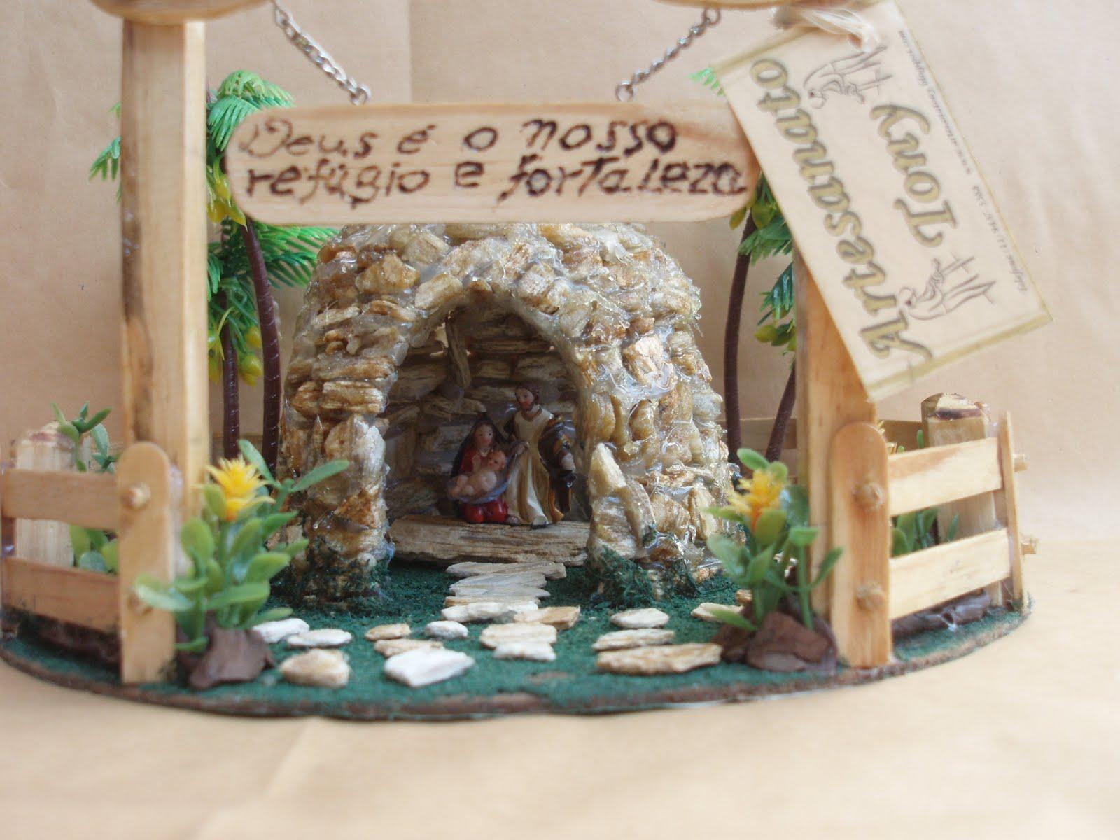 gruta de pedra para jardim : gruta de pedra para jardim:Gruta de Pedra com Tres Portais e com Imagem da Sagrada Familia