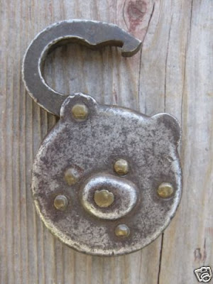 restraintsblog recent mail lock auctions. Black Bedroom Furniture Sets. Home Design Ideas