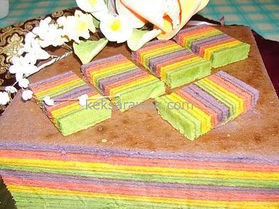 Kek Lapis Tupperware