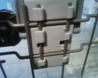 Samsung DMR77 rack adjuster in place