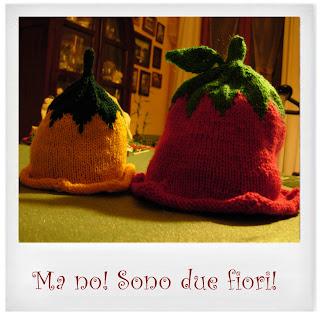 Cappello-fiore-maglia-ferri