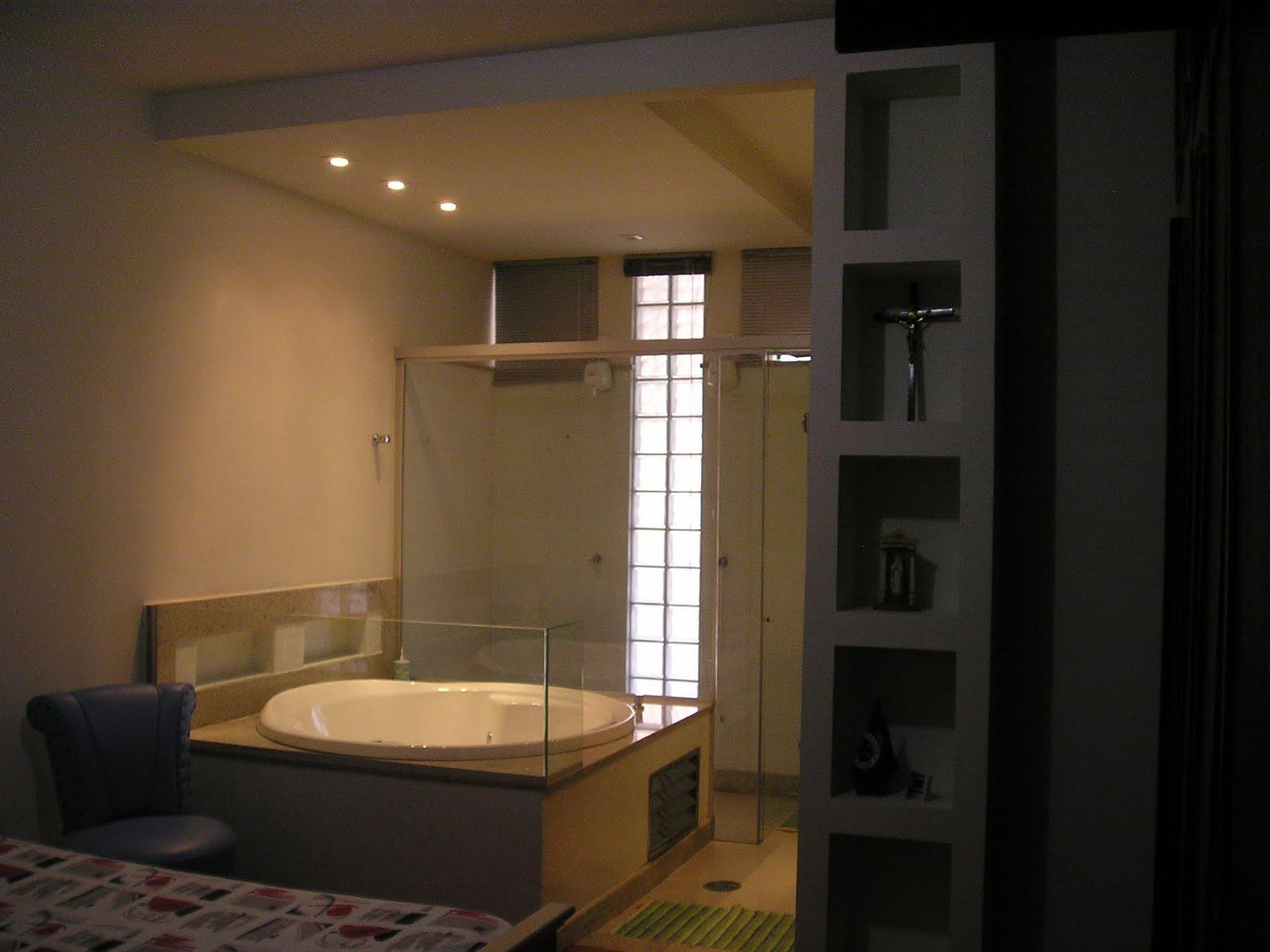 Restauro Decoração Paisagismo: Confira Projeto Banheiro Suite #9C6F2F 1600 1200