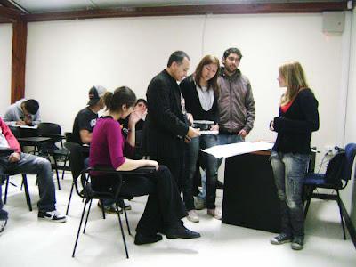 http://4.bp.blogspot.com/_VSDl9XFg_UY/SDISC2aw9RI/AAAAAAAAAcc/2kI7kZu8Bqc/s400/Adolfo+Vasquez+Sociedad+Literaria.jpg