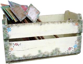 http://4.bp.blogspot.com/_VT6_mbmpLls/SvsrmTh9GHI/AAAAAAAAECc/v4l4FWRaWCI/s320/caixote+de+feira+pintado.jpg