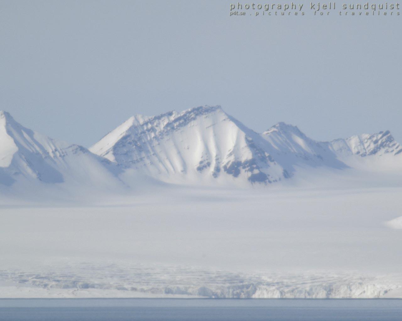 http://4.bp.blogspot.com/_VT6miwsaU68/TGf51463VLI/AAAAAAAAAUI/jMawg8gKtdI/s1600/Wallpaper+Svalbard+01+1280+x+1024.jpg