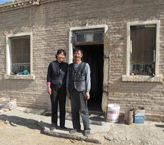 qijiaojing men East river stor outlet qijiaojing tianshan dabancheng,  for de smale grøfter, men også for den brede bunn bottom humpete, ujevn, smal og bred, buktende.