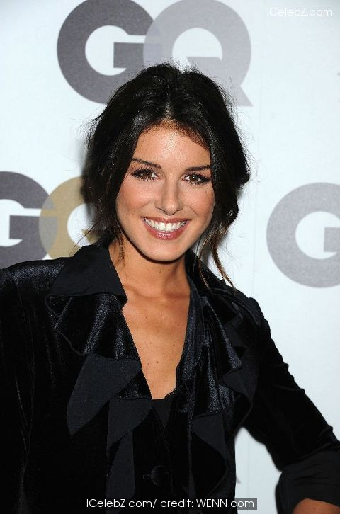 Shenae grimes who is she dating