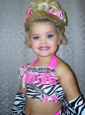 [Imagem: criancas-em-concursos-de-beleza-01.jpg]