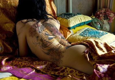 http://4.bp.blogspot.com/_V_sgp3-HivI/TH1Kdx7haiI/AAAAAAAAArc/L1xTMv0pHmk/s1600/Koi+fish+sexy+tattoos.jpg