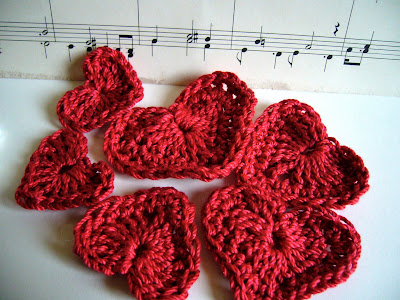 how to crochet a heart Little Birdie Secrets