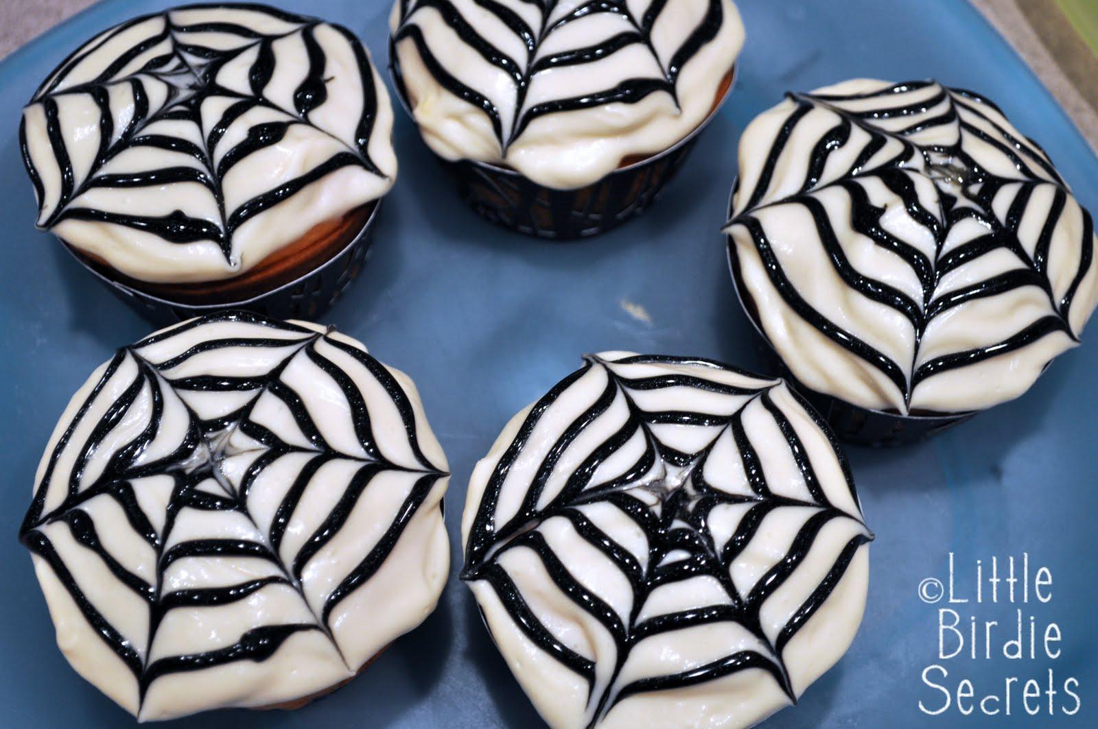 Halloween Cupcake Decorating Ideas Spider Web : halloween spider web cupcakes Little Birdie Secrets
