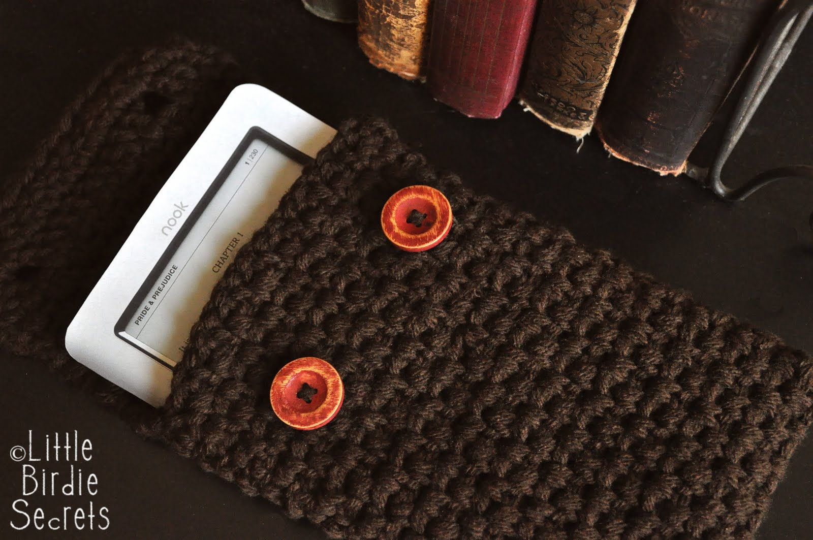 Debs Crochet: Button Up Cell Phone Case Crochet Pattern