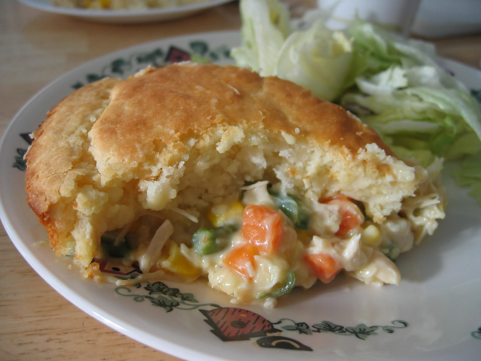 Kristi's Kitchen Kreations: Easy Chicken Pot Pie (Bisquick)