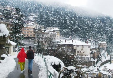 IANS, Shimla, 31 December : Over 100 tourists, mostly from West Bengal,
