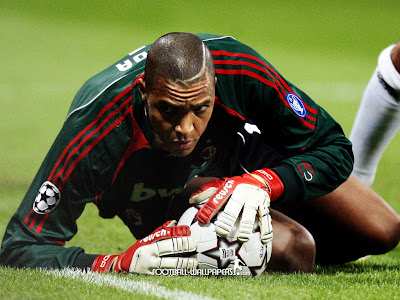 Dida Felldown in Ground