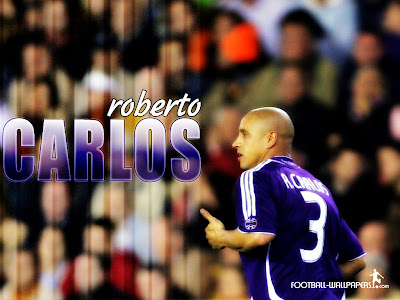Roberto Top Soccer Player Wallpaper