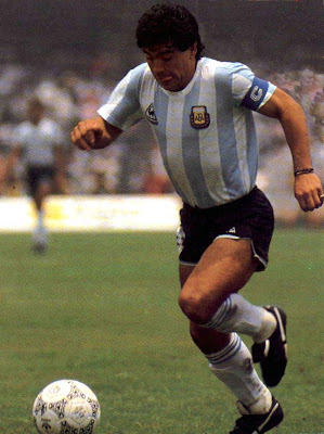 Diego Maradona Top Soccer Player Wallpaper