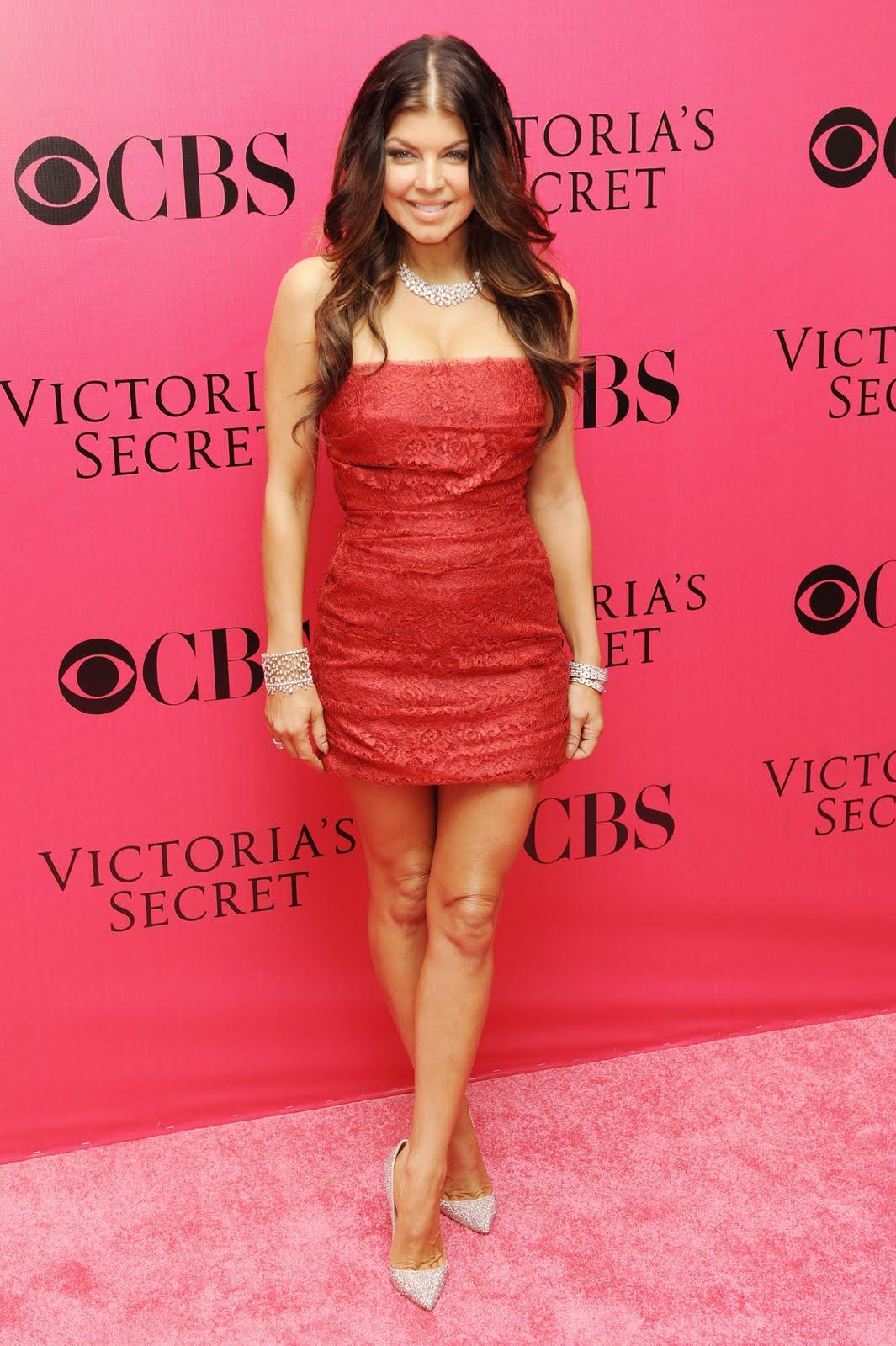 http://4.bp.blogspot.com/_Vd81jOiVjoY/Sw2UM6FhC0I/AAAAAAAAKtM/N4mSWHckevI/s1600/65255_Stacy_Ferguson_Victorias_Secret_Show_in_NY_November_19_2009_10_122_827lo.jpg