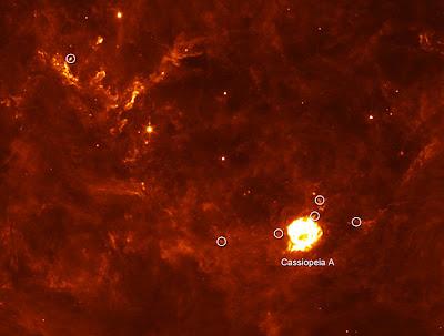 Remanente de supernova Cas A y sus puntos calientes