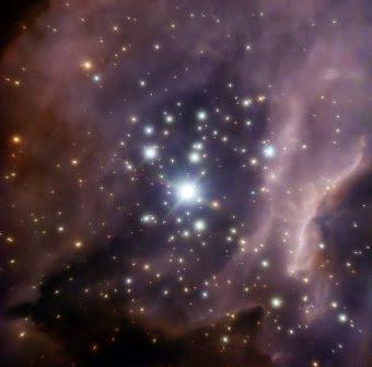 Alrededor de la masiva estrella IRS2