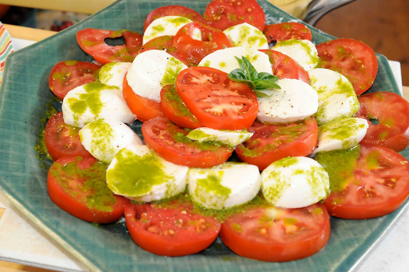 Gonna Stuff a Chicken: Recipe: Caprese Salad with Basil Vinaigrette