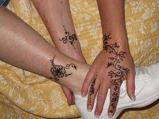 hena tattoos for hand and foot style idea