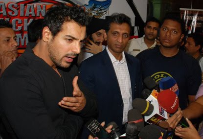 Asian Open Kickboxing Championship : John Abraham spoke about the event at Gold's Gym