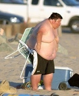 http://4.bp.blogspot.com/_Vk2ir6UMOjY/TNPcyWCJfZI/AAAAAAAAGnk/-GR5PmJPadA/s1600/Fat_Guy_Having_At_The_Beach_amazing_image_photo_2.jpg