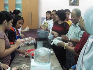 Peluang Bisnis Mie Ayam - Mie Bakso - Pangsit Mie: Pelatihan Cara ...