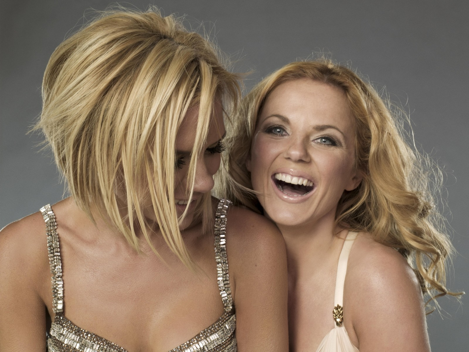 http://4.bp.blogspot.com/_VnPnJLQ-U7s/TBrQFBSnnVI/AAAAAAAAHwg/hTugtty6BQQ/s1600/The_Spice_Girls_8238.jpg