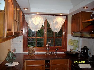 Emy decoraciones cortinas de cocina for Decoracion de cortinas para cocina